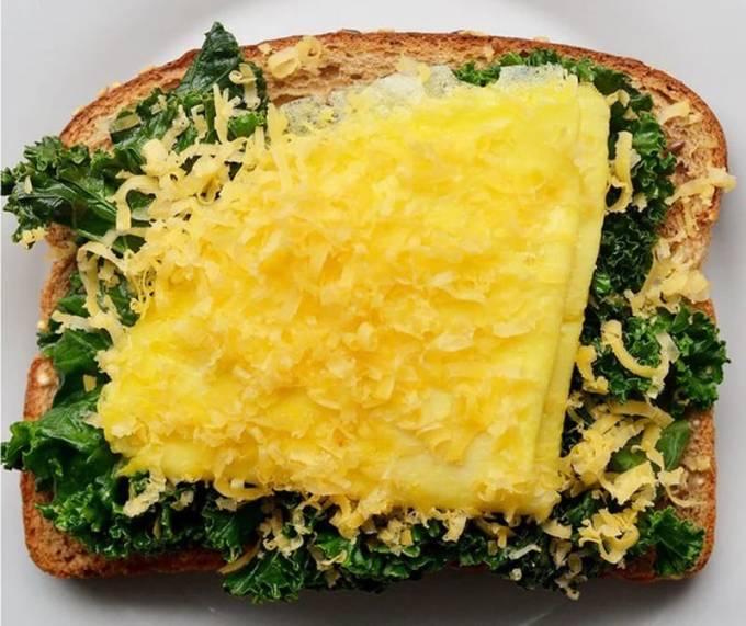 бутерброд с омлетом