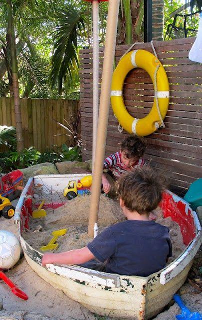 песочница-корабль
