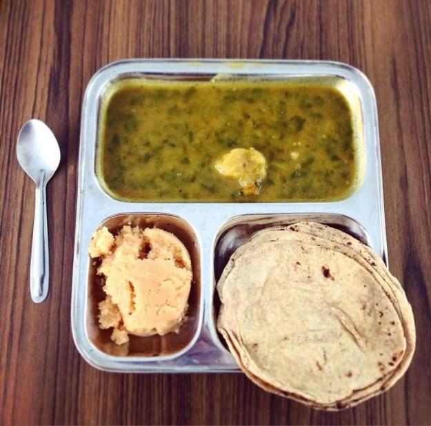 indiya-alu-palak-chapati-i-halva