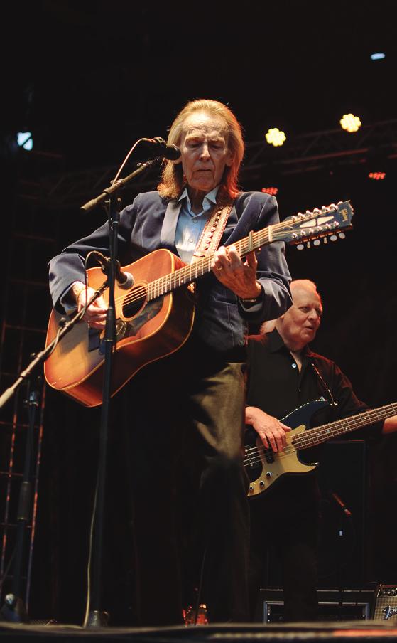 Gordon Lightfoot performing at Harvest Picnic 2015