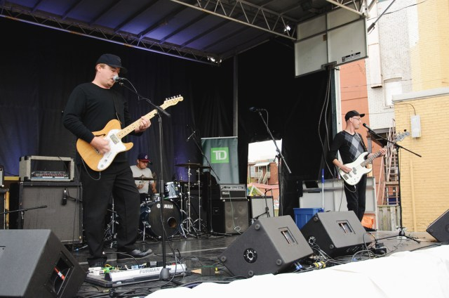 Customaries performing at Supercrawl 2015