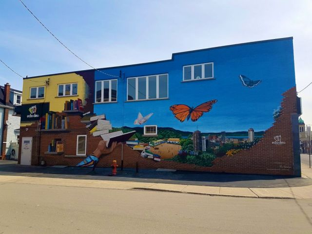 Mural by Tim Nijenhuis (Ninehouse Productions)