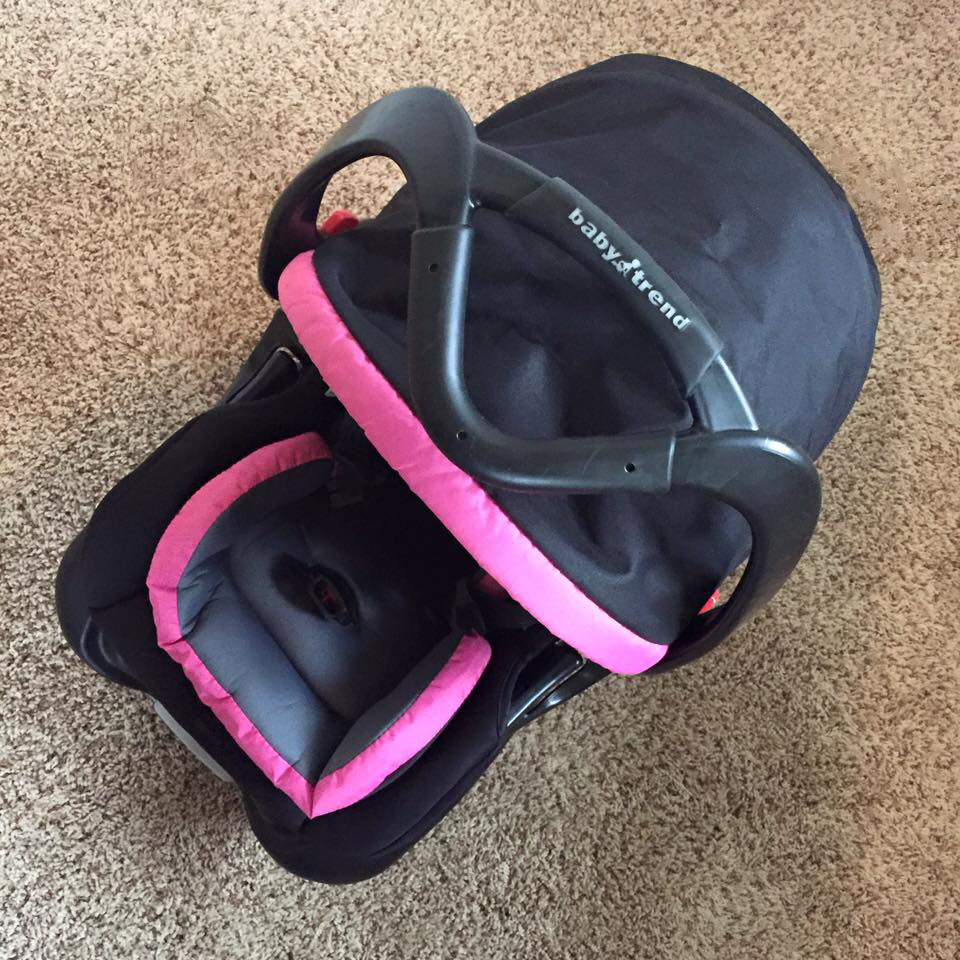 babytrend secure snap gear 32 car seat review i heart pregnancy. Black Bedroom Furniture Sets. Home Design Ideas