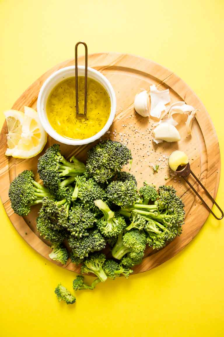 Lemon Garlic Paleo Broccoli Recipe with Dairy-Free Lemon Garlic Butter Sauce Ingredients with microwave or quick blanch instructions