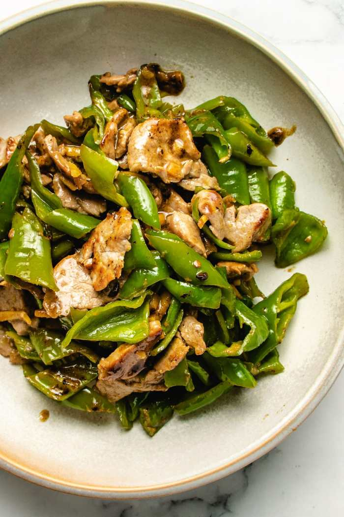 A feature photo of the Pork stir-fried with ginger and peppers