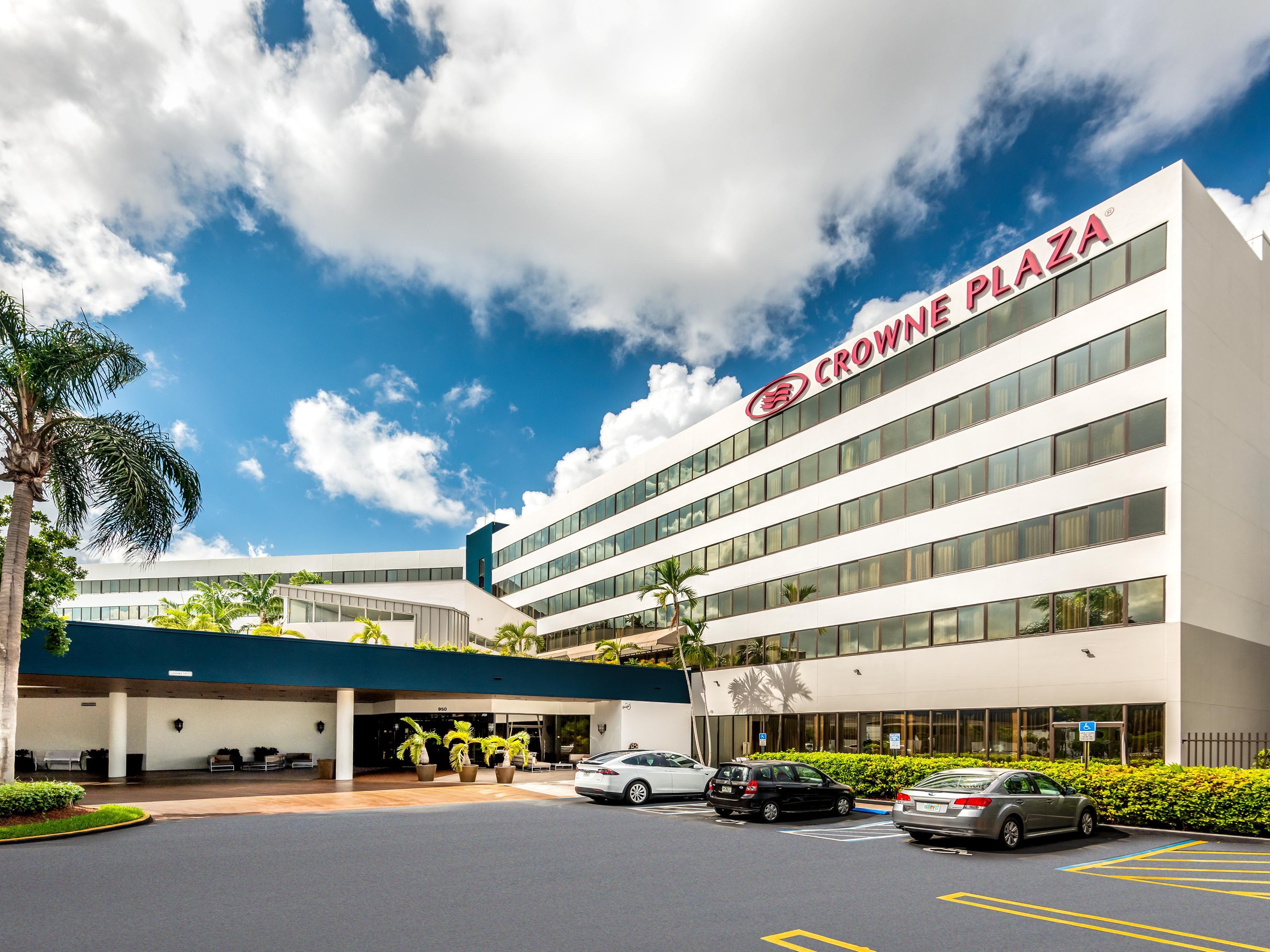Business Hotels Near Miami Airport Mia Crowne Plaza