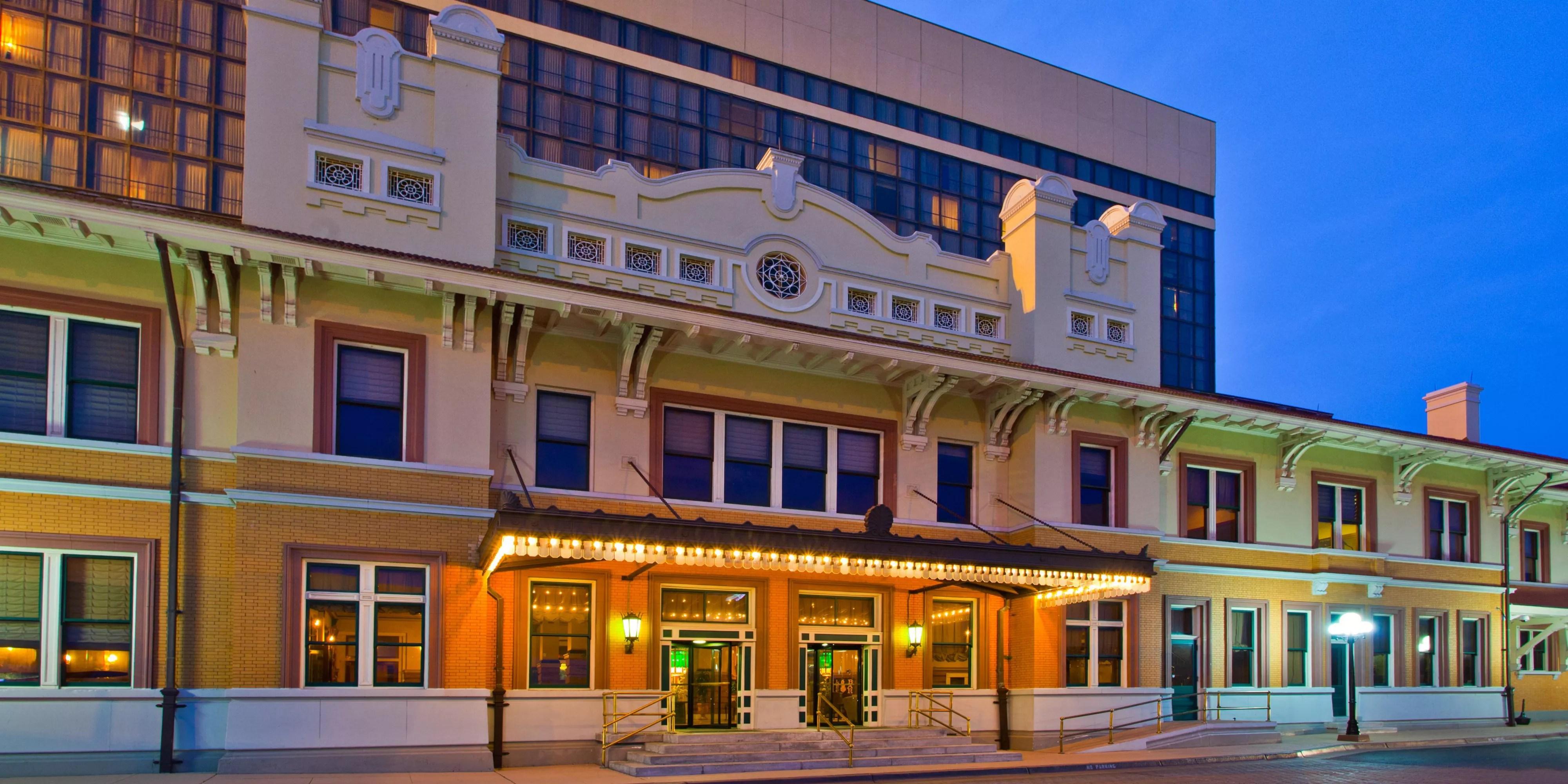 Crowne Plaza Pensacola Grand Hotel