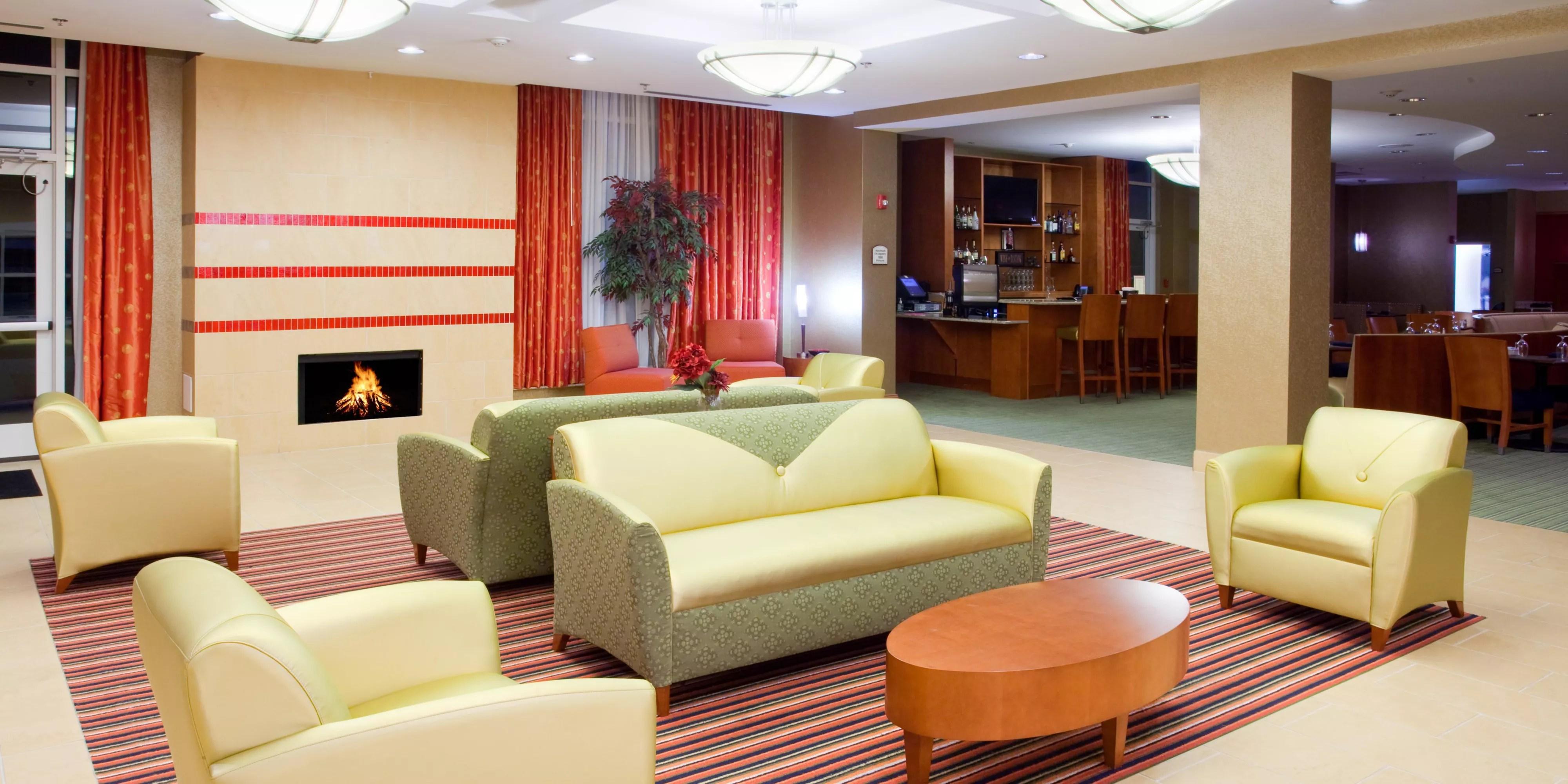 Holiday Inn Petersburg North Fort Lee Hotel By Ihg