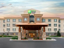 Holiday Inn Express & Suites Denver Airport Hotel In