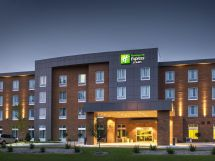 Holiday Inn Express & Suites Madison Central Hotel In