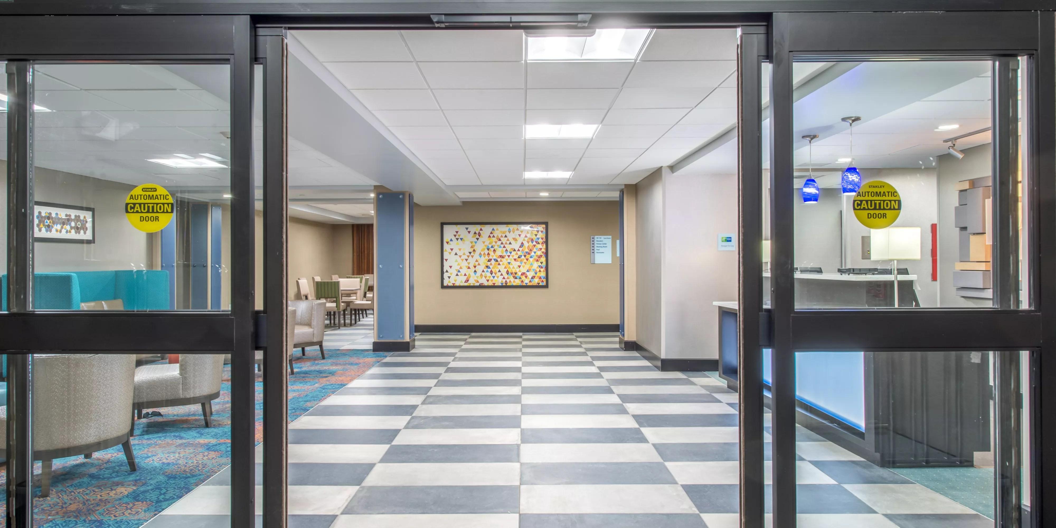 Holiday Inn Express Suites Shawnee Kansas City West
