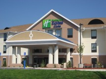 Holiday Inn Express & Suites Westfield Hotel Ihg