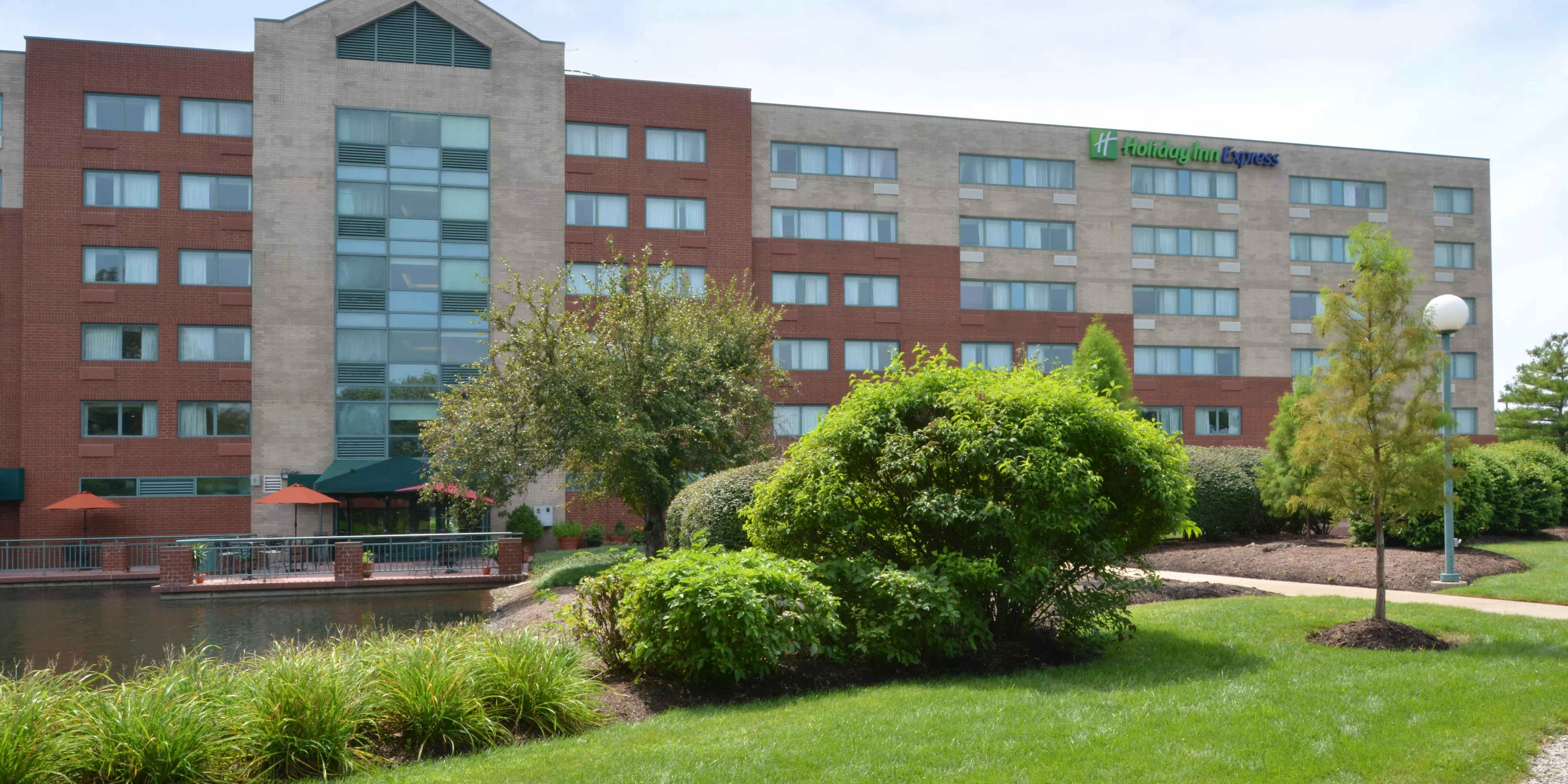 St Louis Hotels Near Airport Holiday Inn Express St