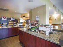 Holiday Inn Express Memphis Hotels East -240