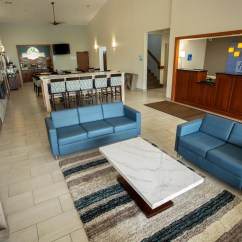 Sofa Express Isle Of Man Nashville Reviews Holiday Inn Watertown Hotel By Ihg