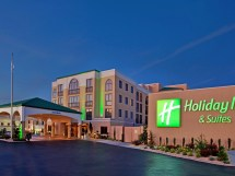 Holiday Inn Hotel & Suites Springfield - -44 Ihg