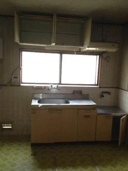 不用品回収ですっかり片付いた吹田市一戸建てのキッチン