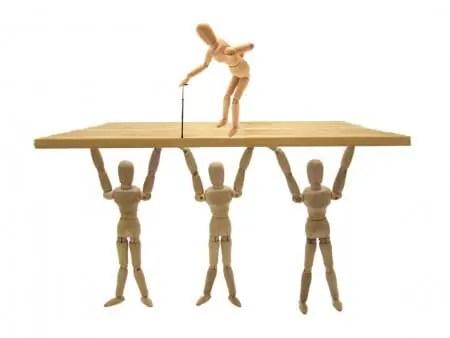 遺品整理か生前整理か あなたの希望する片付け方は?