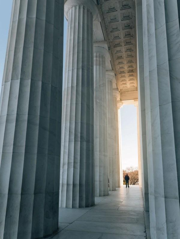 Lincoln Memorial In Washington . Guide