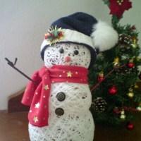 Muñeco de Nieve Hecho de Reciclaje