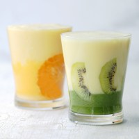 Coloridos y nutritivos batidos (Smoothies) de 2 colores