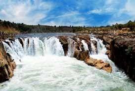 Dhuandhar Falls Bhedaghat, Madhya Pradesh