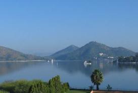 Fateh Sagar Lake, Udaipur in Rajasthan