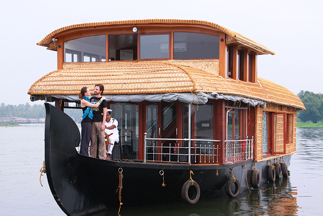 alleppey honeymoon houseboat