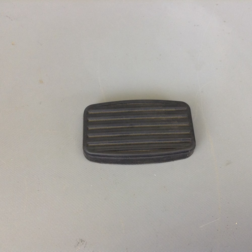 medium resolution of clutch brake pedal pad for 1961 71 scout 80 800 800a 800b