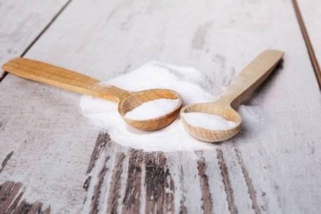 Baking soda có nhiều công dụng trong việc điều trị mụn trứng cá