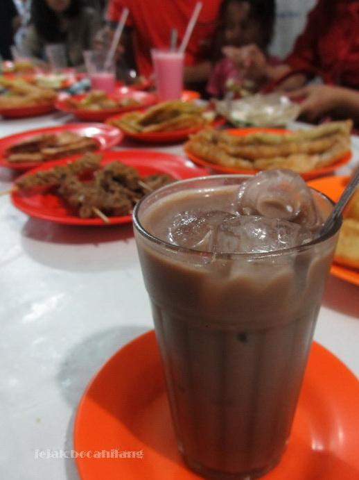 Es Susu Coklat : coklat, Coklat, Ihwan_kuliner