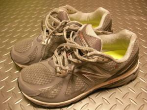 足の幅が広い人が幅の広い靴を選ぶと