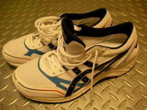 足関節捻挫後遺症。靴紐の通し方でも変わります。