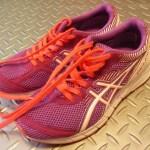 腸脛靭帯炎(ランナーズニー)とランニングシューズ。膝の安定性を得られる靴えらび。