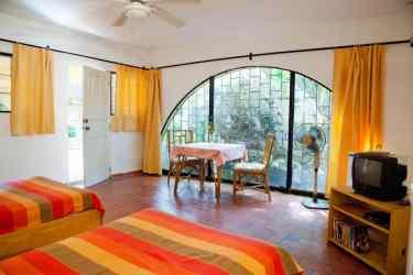 IIC Sosua Accommodation School Studio_double occupancy IMG3754_ST