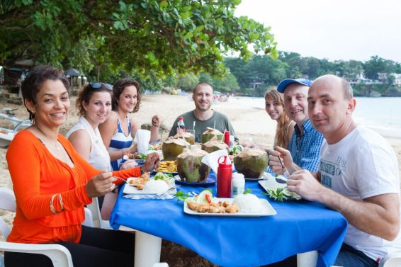 IIC Sosua Activities_Dinner on the beach IMG2751_ST