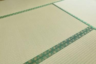 畳が日焼けしたり傷んできた時に、裏返しは自分で出来るの?