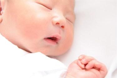 赤ちゃんの寝具は難しい?冬を快適に過ごすお布団の選び方