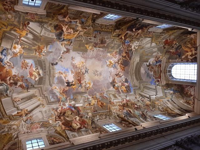 ローマ聖イグナチオ・デ・ロヨラ教会の見どころを紹介