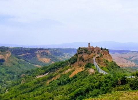 【イタリア観光】2500年の歴史。天空の「死にゆく町」チヴィタ・ディ・バンニョレッジョの見どころ、おすすめは?