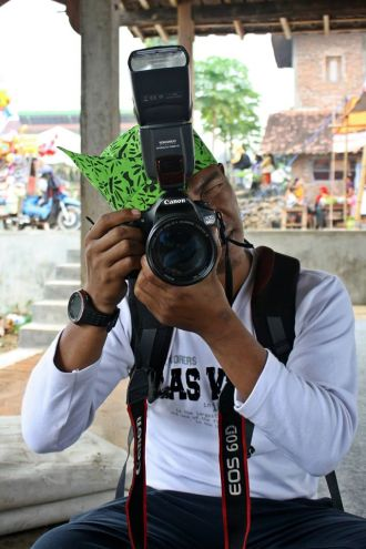samsuri, manager and photography Guide