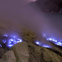 AMAZING BLUE FIRE OF KAWAH IJEN