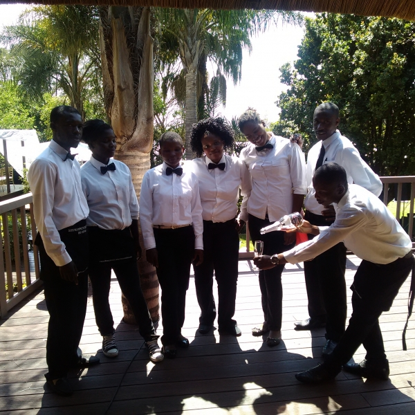 Waiter Staff wanted urgently: Salary R5 000 per month