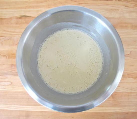 Тесто для блинов должно получиться гладким, без комочков