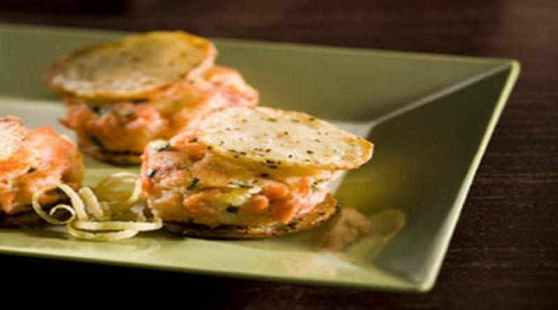 Котлеты из лосося и картофеля на картофельных чипсах пошаговый рецепт