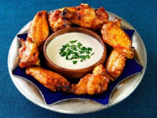 Острые крылья куриные жареные в духовке