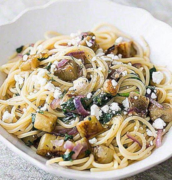 Паста с баклажанами по итальянски с сыром Фета и свежей мятой