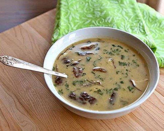 Тайский суп с кокосовым молоком курицей и грибами