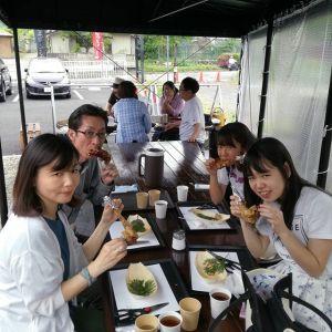 御岳山に行かれた後、炭鳥 筏にいらしたご家族です 「昨日 #御岳山 で検索してインスタを見て、ここに来ました」と、嬉しいお言葉を頂きました🤗炭鳥のお味はお気に召して頂けたでしょうか?ご来店ありがとうございました http://ikadamitake.com#蔵 #筏 #ikada #japan #Tokyo #mitake #御岳 #御岳山 #mitakesan #御岳山ロックガーデン #武蔵御嶽神社 #多摩川 #御岳渓谷 #奥多摩 #ブドウ山椒 #おにぎり #味玉 #tasty #バイク #ロードバイク #カヌー #カヤック #リバーSUP #デッドエンド #ジムニー #ペット可