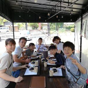 これからラフティングに行かれるファミリー7名様ですその前に腹ごしらえ。という事で、炭鳥ikadaを選んで下さいました🤗お子さん達が楽しんでむかし鳥を焼いてくれましたご来店ありがとうございましたhttp://ikadamitake.com営業時間11~17時木曜定休(祭日は営業)#炭鳥 #蔵 #筏 #ikada #Tokyo #mitake #御岳 #御岳山 #mitakesan #御岳山ロックガーデン #武蔵御嶽神社 #多摩川 #御岳渓谷 #奥多摩フィッシングセンター #奥多摩 #ブドウ山椒 #おにぎり #味玉 #tasty #バイク #ロードバイク #カヌー #カヤック #リバーSUP #アルパインクライミング #デッドエンド #ジムニー #ペット可  #ラフティング